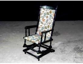 Американское кресло-качалка чёрного цвета