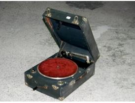 Переносной граммофон