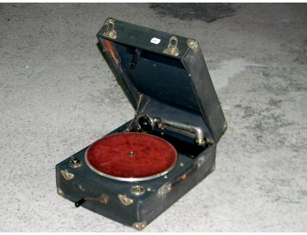 Kaasaskantav grammofon, AM1296