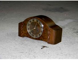 Каминные часы из дуба