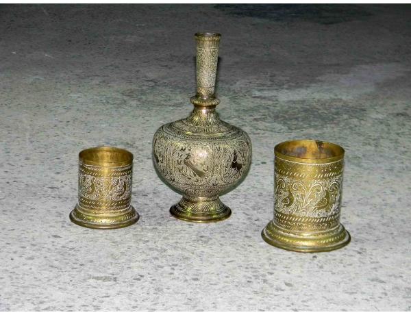 Графин и две чашки из латуни, AM0974