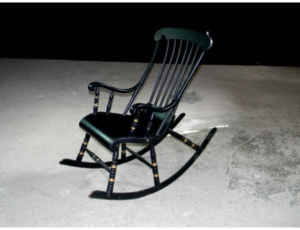 Кресло-качалка чёрного цвета, AM0824