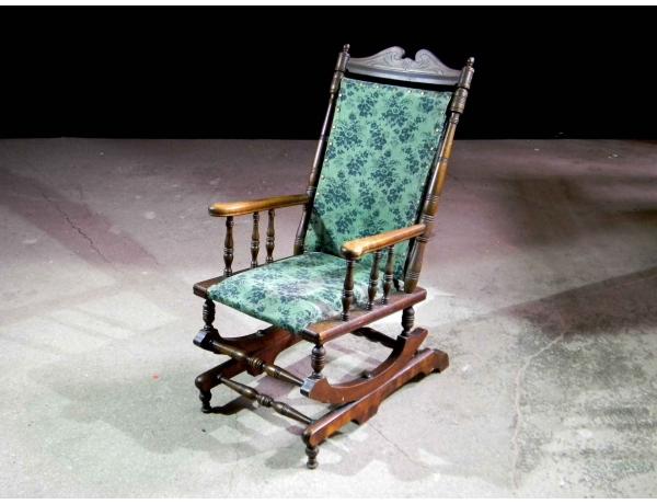 Кресло-качалка с зелёной обивкой, AM0787