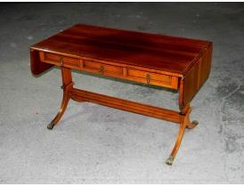 Складной стол с лапами из латуни
