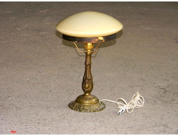 Настольная лампа с куполом бежевого цвета, AM0780