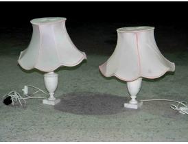 Мраморная настольная лампа с розовым абажуром