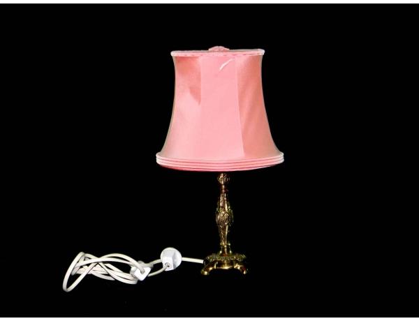 Настольная лампа из латуни и с розовым абажуром, AM0504