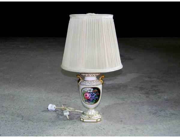 Настольная лампа из фарфора Романтика, AM1043