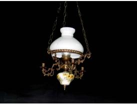 Люстра на манеру керосиновой лампы