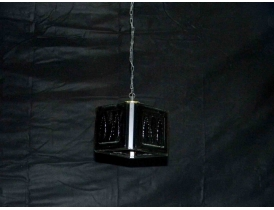 Musta värvi klaasist laelamp