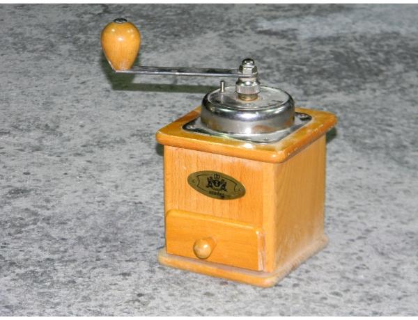 Деревянная кофемолка, AM1382