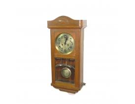Настенные часы с фрезерованным стеклом
